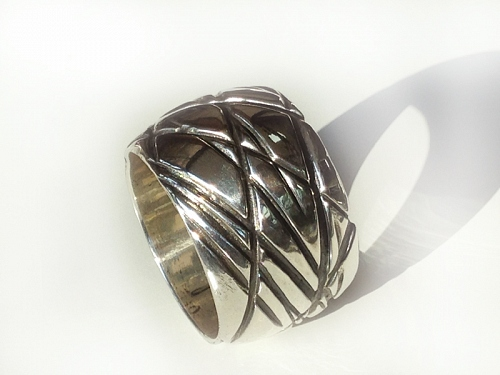 ORYX napkin ring silver-plated bronze or goldplated - © Lauret Studio